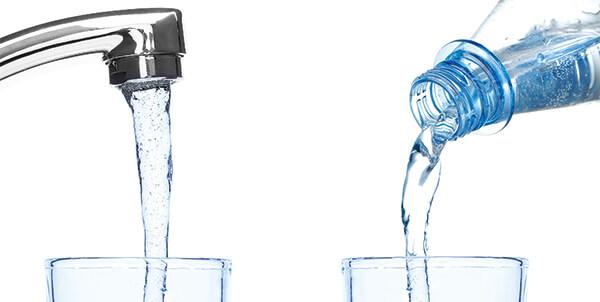 Leitungswasser contra Mineralwasser